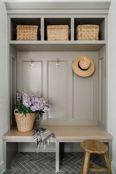 Mudroom Cubbies, Mudroom Cabinets, Mudroom Laundry Room, Laundry Room Design, Closet Mudroom, Entry Closet, Decoration, Ideas, Home Decor