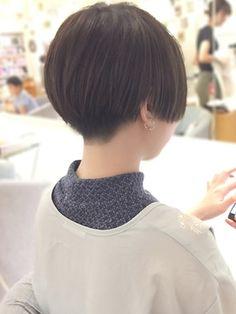 【2018年春夏】ツーブロックショート×透明感アッシュグレー☆/HAIR & MAKE JOJI 【ジョジ】のヘアスタイル|BIGLOBEヘアスタイル
