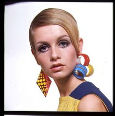 earrings/colour Twiggy by Bert Stern,1967