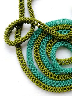 Who doesn't love to have a repertoire of beaded ropes?  Heather has given us one of cubic right angle weave that waxes and wanes through t...