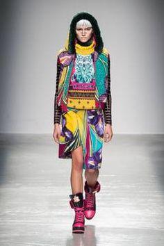 Manish Arora  – Paris Fashion Week 2015 Trendreport - die Kollektionen der Modedesigner im Überblick. flair berichtet live von der Paris Fashion Week. Dieser Artikel aktualisiert sich regelmäßig