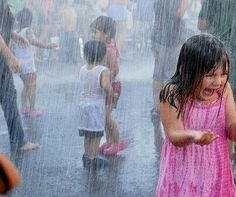 Many adults complain when it´s a rainy day, but the kids just love it. Get a hold of these amazing photography of the kids playing in rain. Walking In The Rain, Singing In The Rain, Its Raining Its Pouring, Smell Of Rain, I Love Rain, Rain Days, Rain Go Away, Sound Of Rain, Rainy Night