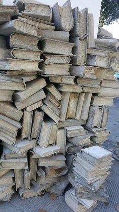 """""""Buongiorno! Oggi è #BooksMW ! Buona lettura! :-) @museotattile_VA @MuseoBergallo @Mucast_Masso @Capodimonte_mus @museoebraicove @MiBACT"""""""