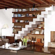 Ideen Stauraum unter der treppe assymetrisch regale