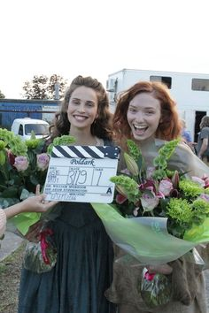That's a wrap for Heida Reed (Elizabeth) and Eleanor Tomlinson (Demelza) on the first season of #Poldark (2015.) #WinstonGraham #PoldarkPBS