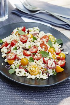 Pas toujours facile de trouver l'inspiration pour les lunchs… Pas de soucis… Vegetable Recipes, Vegetarian Recipes, Healthy Recipes, Healthy Food, Caprese Salad, Cobb Salad, Confort Food, I Foods, Entrees