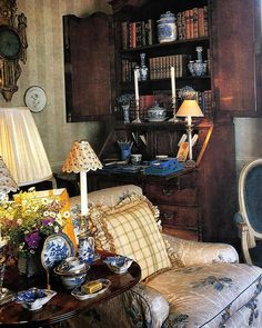 """The most sublime image from my latest book purchase . """"Colefax & Fowler"""" by Chester Jones from . it's a fabulous reference to… English Cottage Style, English Country Cottages, English Country Style, French Cottage, French Country, English House, English Interior, English Decor, Jenny Rose"""