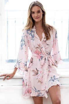 Pajamas For Women Sleepwear Top Lingerie Tall Nightwear Bride Pyjama Set Pretty Lingerie, Lingerie Set, Women Lingerie, Cute Sleepwear, Sleepwear Women, Ropa Interior Babydoll, Pijamas Women, Vestidos Vintage, Silk Pajamas