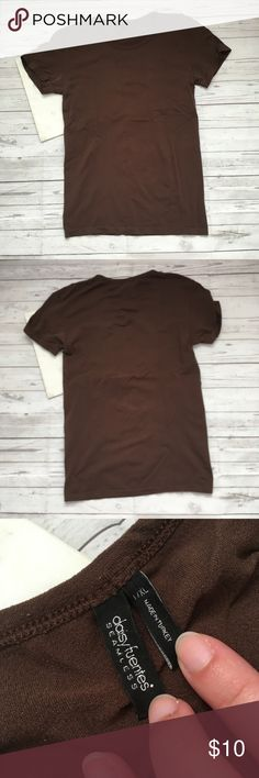 daisy fuentes womens l/xl t-shirt seamless brown s gently used   some pilling  daisy fuentes seamless  great for all occasions  great for autumn   armpit to armpit = 15.5 inches  length = 24.5 inches Daisy Fuentes Tops Tees - Short Sleeve