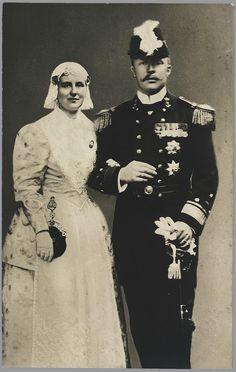 Queen Wilhelmina in costume of Friesland