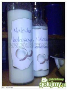 Pillar Candles, Drink Sleeves, Glass Of Milk, Drinks, Food, Liquor, Meal, Eten, Drink