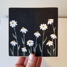 Sweet and simple daisy painting on a piece of pine. This painting can stand on its own or can be hung on the attached claw tooth hanger. Small Canvas Paintings, Easy Canvas Art, Small Canvas Art, Mini Canvas Art, Cute Paintings, Simple Acrylic Paintings, Acrylic Painting Flowers, Diy Canvas, Hippie Kunst