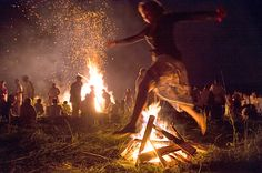 "Celebration of Ivan Kupala has three important points. On this day, ""bury"" the spring - Yarilо - and meet the summer - Dazhdbog. Yarilo, in accordance with the Slavic tradition, burn. What is being built a big fire."