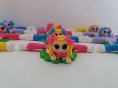 Forminhas para docinhos decorados com biscuit tema Bonecas Lalaloopsy.