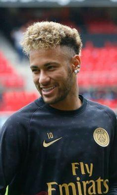 Neymar Jr, Neymar Football, Sport Football, Football Stuff, Psg, Neymar Brazil, Fc B, Soccer Boys, Boyfriend Pictures