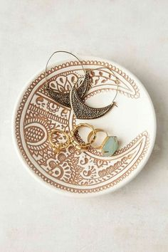 Plum & Bow Moon Catch-All Dish from Urban Outfitters. Shop more products from Urban Outfitters on Wanelo. Diy Clay, Clay Crafts, Ceramic Pottery, Ceramic Art, Mug Art, Deco Boheme, Jewelry Dish, Moon Jewelry, Jewellery Storage