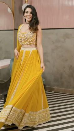 Indian Wedding Gowns, Party Wear Indian Dresses, Designer Party Wear Dresses, Party Wear Lehenga, Indian Gowns Dresses, Indian Bridal Fashion, Dress Indian Style, Indian Fashion Dresses, Indian Designer Outfits