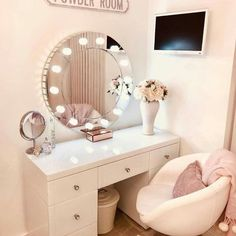 Image uploaded by gabidino. Find images and videos about make up, mirror and decorations on We Heart It - the app to get lost in what you love. Room Design Bedroom, Room Ideas Bedroom, Home Room Design, Home Decor Bedroom, Bedroom Decor For Teen Girls, Teen Room Decor, Dressing Room Decor, Dressing Table, Beauty Room Decor