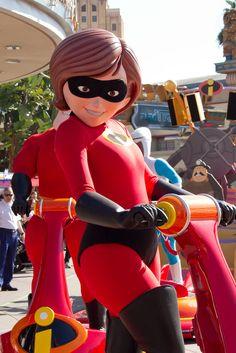 The Incredibles: Heroes In Training Squad Disney Parks, Walt Disney World, Bo Peep Toy Story, Mrs Incredible, Daisy Duck, Strong Love, Disneyland Paris, Hugs, Cosmic