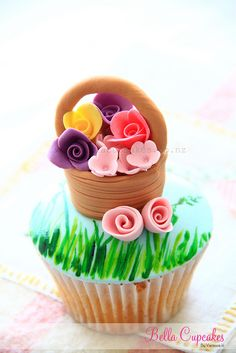 Basket of Flowers Cupcake