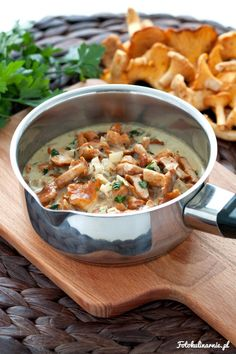 Homemade Creamy Chanterelle Sauce - quick and easy. (in Polish with translator) Gnocchi, Spice Rub, Polish Recipes, Polish Food, Penne, Stuffed Mushrooms, Curry, Food And Drink, Vegetarian