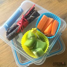 Fri-YAY for Kayla because it's Pizza Day at school. Just a few snacks are needed to get her through to second break ... and THE PIZZA!!!    Silicone cups are fabulous for filling with different food and adding a touch of #FunInLunch. Use cups that are at least as tall as the lunchbox, and then the contents won't mess up once you put the lid on. (except for liquids… DO NOT send liquids in silicon cups!!)