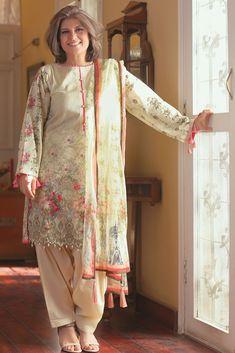 Wow beautiful lady pakistani fashion, 2019 pakistani dress d Pakistani Fashion Party Wear, Pakistani Dresses Casual, Pakistani Dress Design, Indian Dresses, Indian Fashion, Casual Dresses, Fashion Dresses, Stylish Dresses For Girls, Stylish Dress Designs