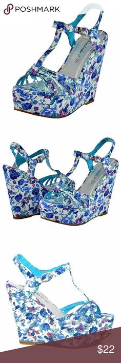 Breceklle's Rebeca-09 Blue Women Wedge Sandals With floral print, the women platforms will be your stable shoes choice. Try these beautiful Breceklle's Rebeca-09 Blue Women Wedge Sandals for your new look. These sweet fashionable women's wedges will quickly become your favorite with the feminine floral print and adorable design Heels 5″ Platform 2″. Breckelle's Shoes Wedges