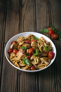 Creamy Chicken and Tomato #Pasta with Basil... simple, sunny flavours the whole family will love ♥ #MyMzansiPasta #Knorr #Pasta #SouthAfrican