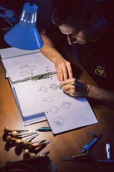 """Un poet grec spunea că iubirea este arhitectul universului. """"Arhitecții"""" Sabion proiectează bijuterii pe măsura iubirii voastre. Descoperă-le pe toate la http://sabion.ro/shop/."""
