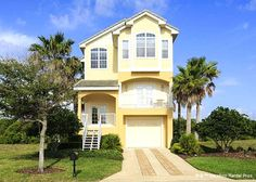 Manatee Beach House - This 3-bedroom vacation rental is dog friendly with prior approval from the homeowner only.