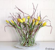 New flowers tulips bouquet spring floral arrangements Ideas Flower Boxes, Diy Flowers, Spring Flowers, Beautiful Flowers, Spring Flower Arrangements, Rose Arrangements, Deco Floral, Arte Floral, Ikebana