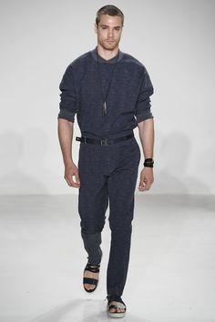 Look total azul marinho na Cadet - Verão 2017/18 #NewYork #NYFW #menswear #catwalk #casual #summer #FocusTextil