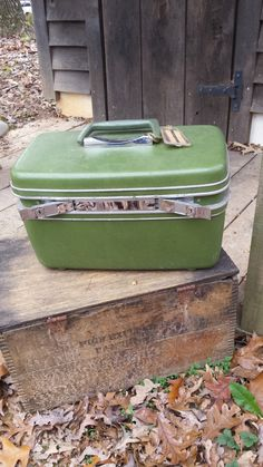 Green Samsonite Vintage Train Case Make Up by southernsweetwater