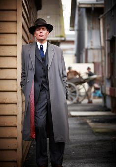 Nathan Page as Detective Inspector Jack Robinson for Miss Fisher's Murder Mysteries Best Mysteries, Murder Mysteries, Detective Outfit, Miss Fisher, Roaring Twenties, Dieselpunk, Costume Design, Favorite Tv Shows, How To Look Better