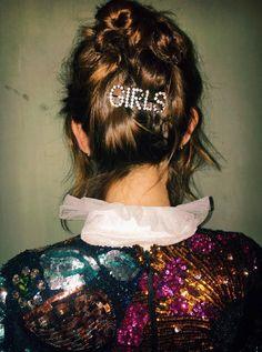 Ashley williams hair accesory by Alexa Chung.