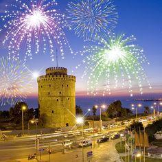 Yılbaşında Selanik'ten rengarenk görüntüler… Sizde bu muhteşem manzaralar içerisinde olmak istersiniz sayfamızı inceleyin; bit.ly/MNGTurizm-yilbasi-yurtdisi-turlari-s Marina Bay Sands, Building, Travel, Viajes, Buildings, Traveling, Trips, Tourism, Architectural Engineering