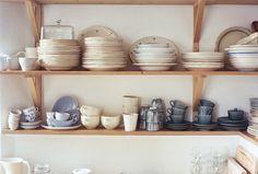love open shelves like this
