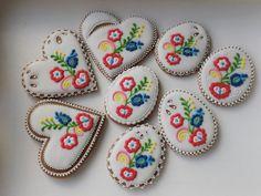 Veľkonočné medovníky :: Medovnikyakrasliceadina Easter Cookies, Cookie Decorating, Fancy, Desserts, Kultura, Spring, Wafer Cookies, Drawings, Dessert Tables