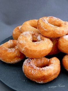 Food Photography - Home Donut Recipes, Brunch Recipes, Sweet Recipes, Dessert Recipes, Cooking Recipes, Spanish Desserts, Spanish Dishes, Donuts, Keks Dessert