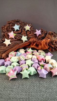 Paper Origami Lucky Stars 'Cute as a Button' 3D by EvelinesGarden