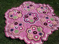 Ravelry: Project Gallery for Hexaghan pattern by Julie Yeager