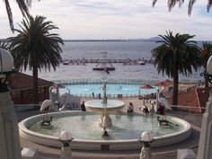 Google Image Result for http://3.bp.blogspot.com/_sv7jbhSncKE/THMU8soTF7I/AAAAAAAABE4/QqL5XEFpI2I/s1600/2972540-Eastern_Beach_fountain-Geelong.jpg