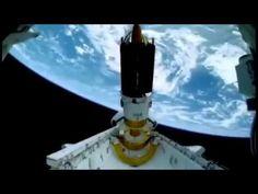 incrivel satélite flagra anjos saindo do planeta