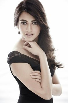 News, gossips, intro, info of Bollywood and South Indian cinema. It is all about hot and sexy actresses, celebrities and models Wallpaper Free, Mobile Wallpaper, Kriti Kharbanda, Hot Poses, Penelope, Cute Beauty, Beauty Full, Pretty And Cute, India Beauty
