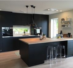 Modern dark home and decor ideas to Match Your Soul, You Must Try In 2020 - Page 40 of 75 - Life Tillage Open Plan Kitchen Diner, Open Plan Kitchen Living Room, Condo Kitchen, Home Decor Kitchen, New Kitchen, Kitchen Design Gallery, Luxury Kitchen Design, Kitchen Room Design, Interior Design Kitchen