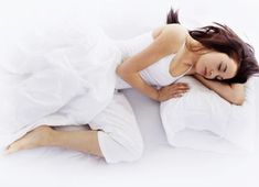 Sleep apnea is a serious condition that can be fatal if not treated properly. It is a sleep disorder in which improper pauses in breathing during sleep disrupts a person's daily functioning. Finding the right cure for sleep apnea can be crucial in. Home Remedies For Snoring, Sleep Apnea Remedies, Insomnia Remedies, Antidepresivo Natural, Circadian Rhythm Sleep Disorder, What Causes Sleep Apnea, Massage Envy, Restless Leg Syndrome, Snoring Solutions