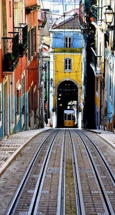 Elevador da Bica, Lisboa, Portugal.