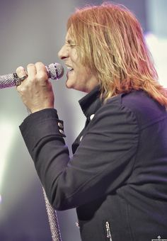 Joe Elliot by groovescapes 2011