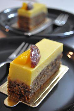 Meringue Desserts: Sticky date & mango mousse cake